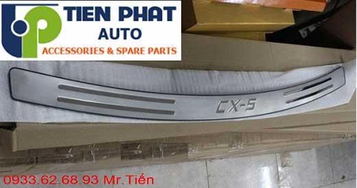 Lắp Nẹp Inox Chống Trầy Cốp Sau cho Mazda Cx-5 2015-2016